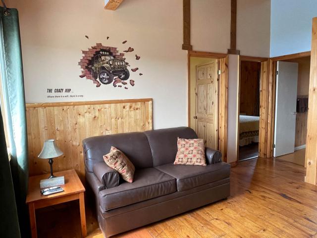 Cottage 9 living room